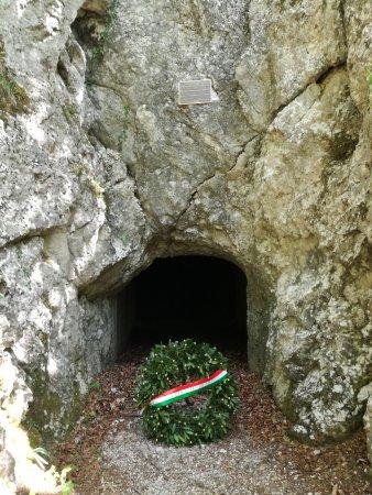 Linea Cadorna: grotta
