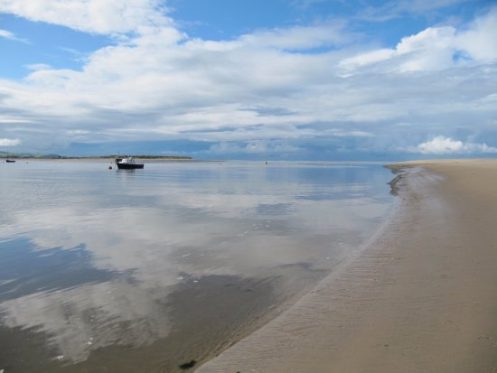 Tal-y-llyn, UK: The Dyfi estuary at Aberdyfi (Aberdovey) about 10 miles from the Rectory