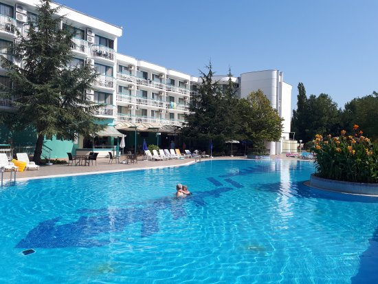 Hotel pool bild von zefir hotel sonnenstrand sunny - Sunny beach pools ...