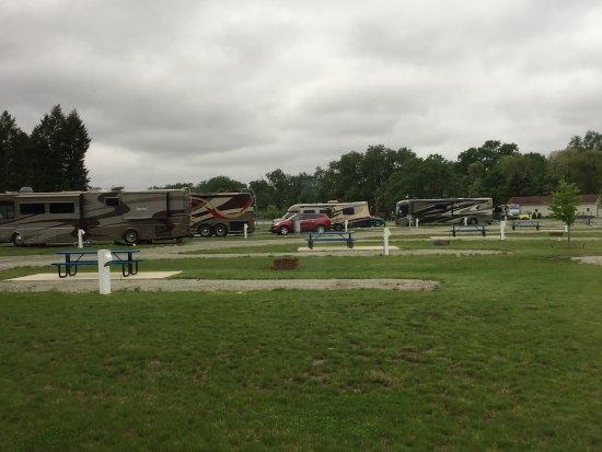 Rock Falls, IL: Big rig friendly.