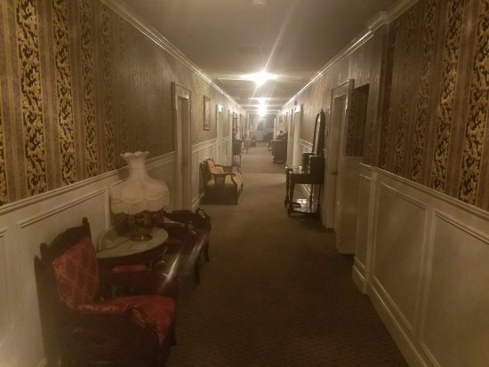 Jefferson, TX: upstairs hallway.