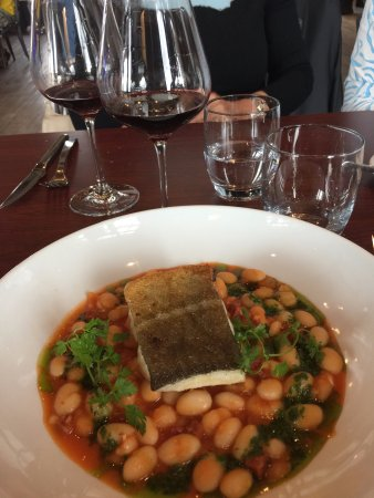 Monbazillac, France: Poisson over legumes