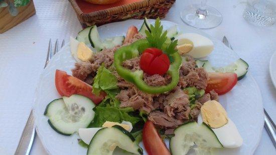 Les trois Couronnes : Tuna salad