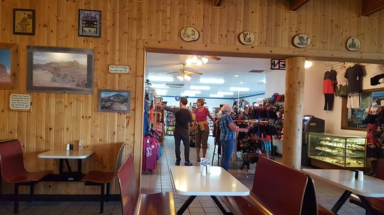 Stan's Burger Shack : inside dining