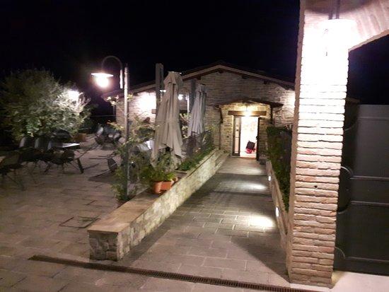 Cannara, Włochy: ristorante fronte hotel