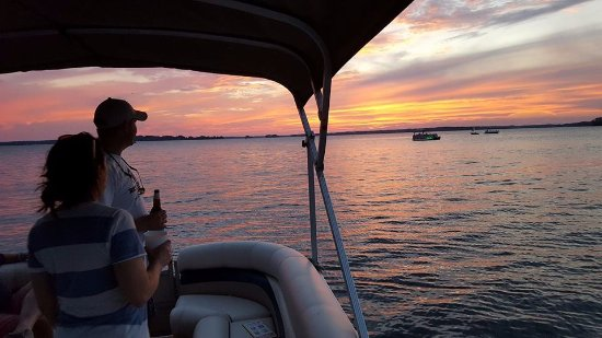Leesville, Νότια Καρολίνα: Sunset Tour on Lake Murray, SC