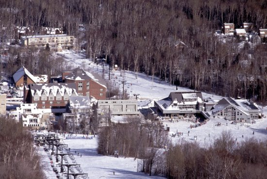 Carrabassett Valley, เมน: Village from the sky