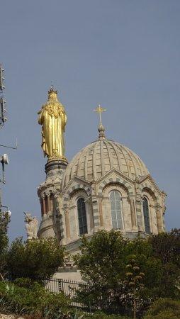 """Basilique Notre Dame de la Garde: La """"Bonne mère""""...vue de dos"""
