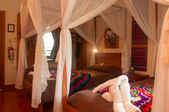 San Antonio, Belize: Family cabana with multiple beds