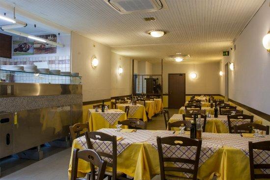 Salvaterra, Italia: La sala principale