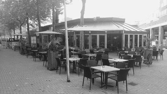 Lelystad, Niederlande: Bij John eten & drinken