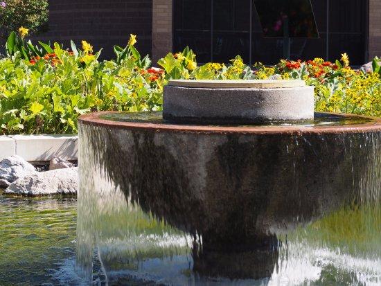 Plymouth, MN: A fountain