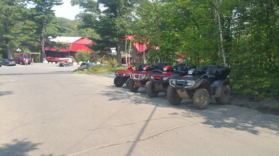 Saint Hippolyte, Kanada: ATV's ready to rent
