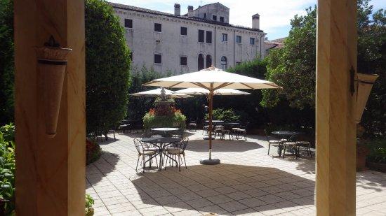 Hotel Belle Arti: Terrasse