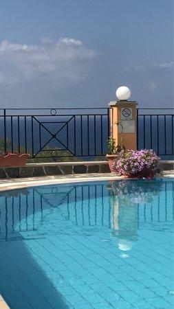 Dina's Paradise Hotel & Apartments: photo0.jpg