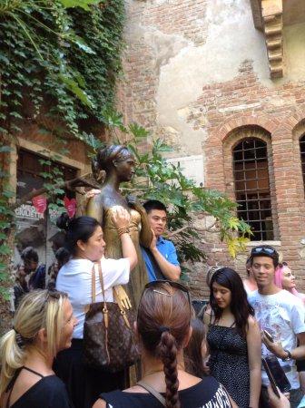 Zani Viaggi Day Tours : Juliet's balcony