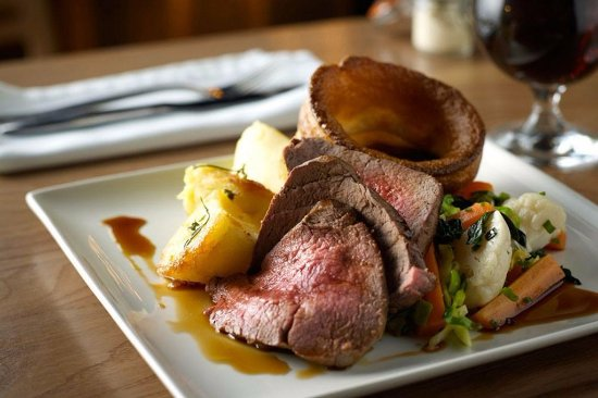 Burntwood, UK: Mid Week Roast available on a Wednesday & Sunday Lunch 12.00-