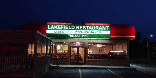 Lakefield, Kanada: Just outside of the restaurant.