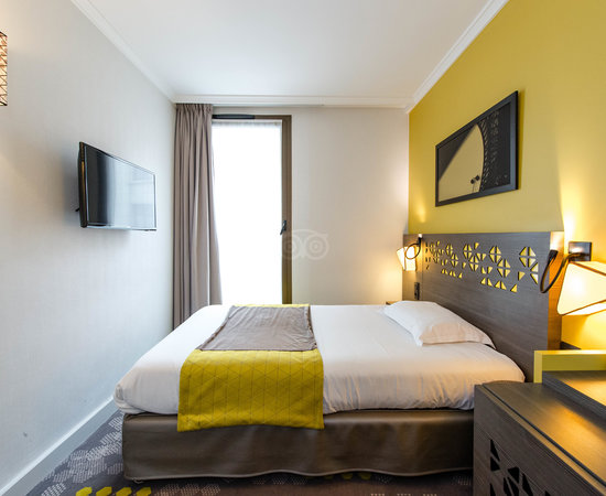 Very Nice Hotel With Air Conditioning Near The Eiffel Tower Review