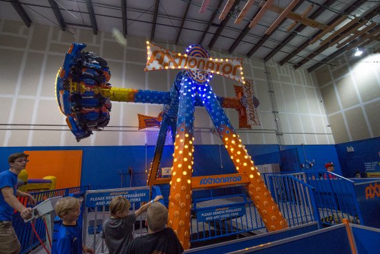Mount Pearl, Kanada: 360 degrees rides with spins.