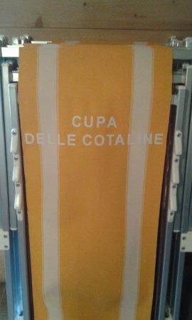 Frontone, Italy: sdraio esterna personalizzata