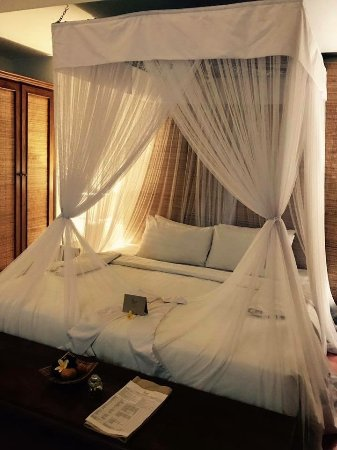 Plataran Ubud Hotel & Spa: Gorgeous king size bed in our villa suite
