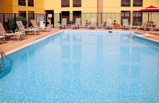 Hampton Inn Alexandria/Pentagon South: Piscine