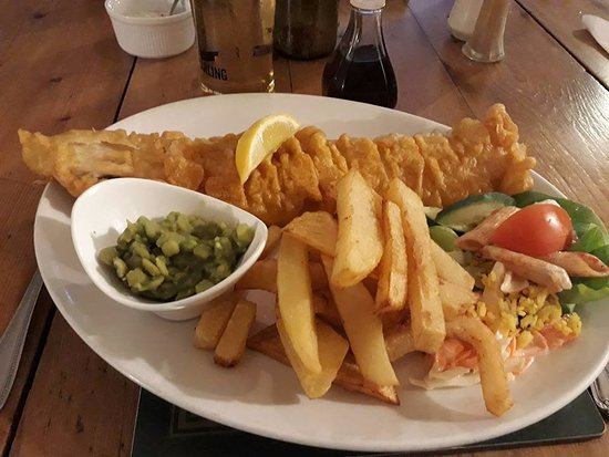 The Crown Inn: Home made chips and enormous fish.