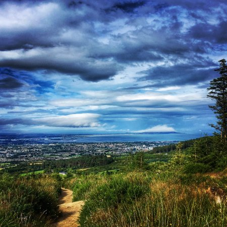 ‪‪Roundwood‬, أيرلندا: Dublin from the Wicklow Way trail‬