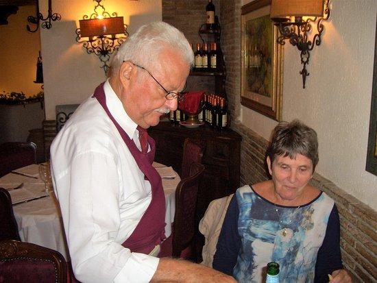 Antica Osteria Piccola Roma : Hyggelig kelner