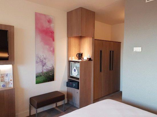 Novotel Paris 17: Room 404