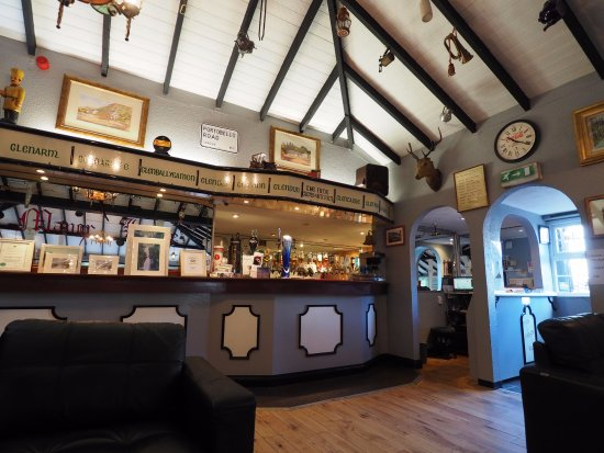 Laragh Lodge: inside restaurant