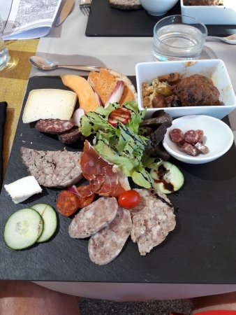 Taurinya, Frankreich: Assiette charcuteries locales