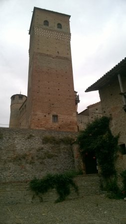 Serralunga d'Alba, Italy: the castle
