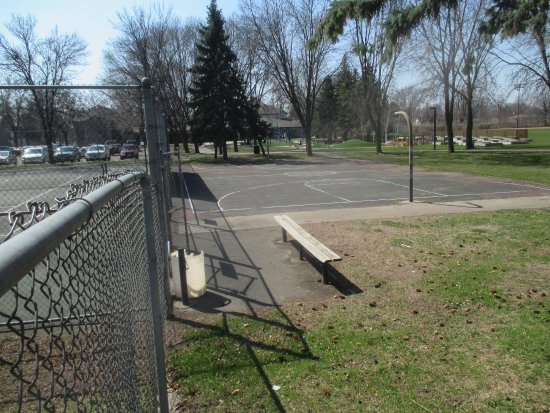 West Saint Paul, MN : Basketball court