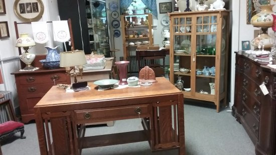 Hawley, PA: Great selection of antiques and reasonably priced