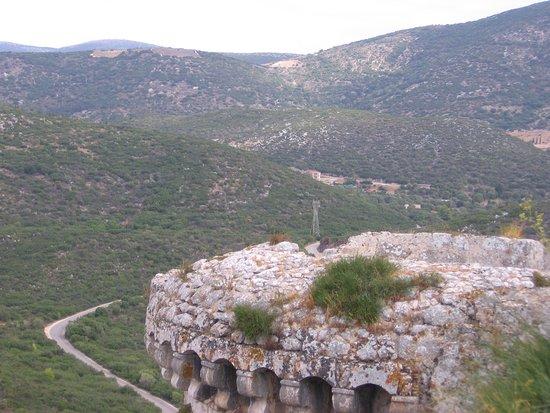 Peratata, Grecia: edge of Castle