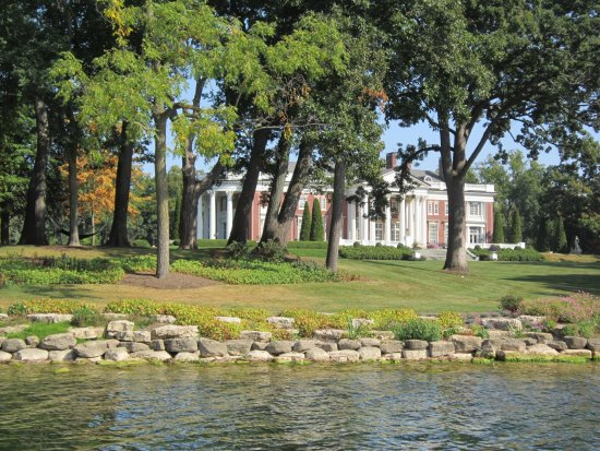 Lake Geneva, WI: If this is the summer home, what's the permanent home look like?
