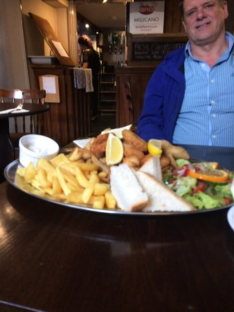 Ross-on-Wye, UK: sharing platter for 2 or 3 Or maybe a few more