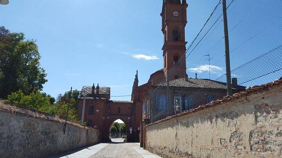 Pollenzo, Italia: Entrata del Borgo
