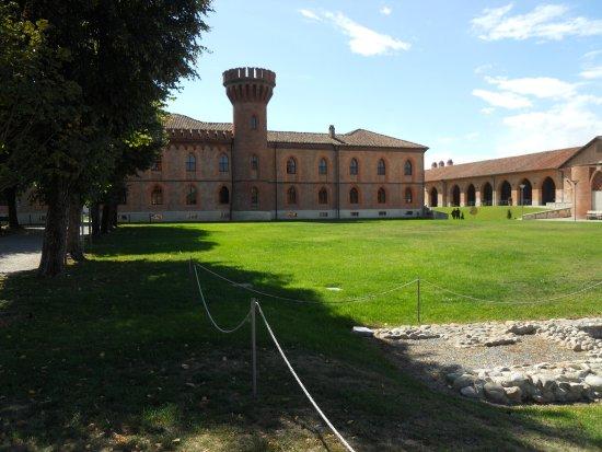 Pollenzo, Italia: Veduta parziale del complesso