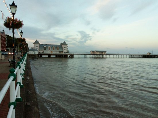 PENARTH PIER HIGH'ISH TIDE