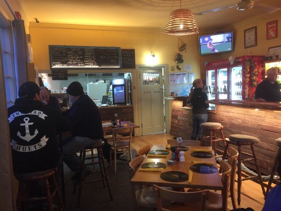 Port Albert, Avustralya: Great meals and country pub style