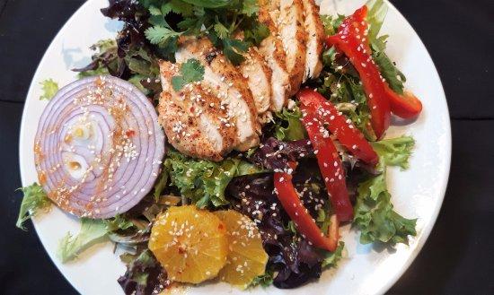 Saint Andre-Avellin, Canada: Salade thaïe au poulet