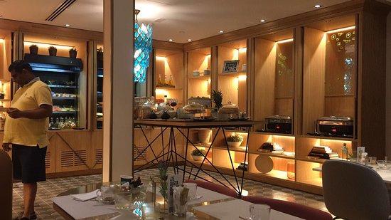 Vincci Centrum: Mooi hotel, erg centraal. Ontbijt is er uitgebreid, super vriendelijk personeel!!