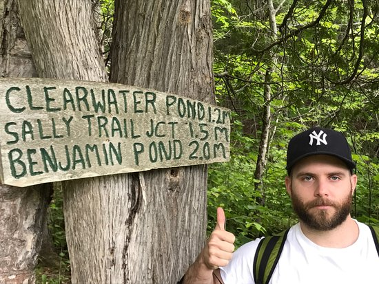 Jackman, เมน: hiking and actually finding Benjamin Pond