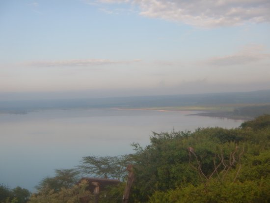 Lake Elementaita, Kenya: View from resort - if you look closely you can see the Pink Flamingos in the distance