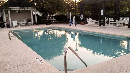 Santee, Carolina Selatan: Relaxing pool area