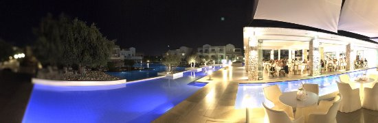 Diamond Deluxe Hotel & SPA - Adults Only: Emerald restaurant on the right