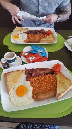 Soft Caffe: Full English breakfast - yum!!